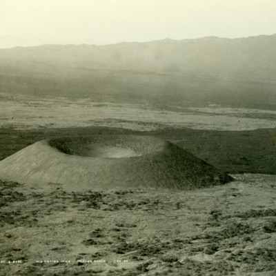 Crater on Parker Ranch, slope of Mauna Kea.