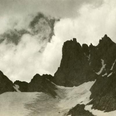 Cliffs on SW Ridge of Harding.jpg