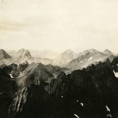 Grenadier Range from East ridge of Sunlight.jpg