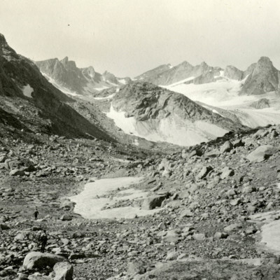 Approaching Fremont Glacier