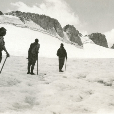 Trek to Fremont Glacier.jpg