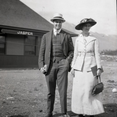 Miss Candace Hewitt and brother at Jasper
