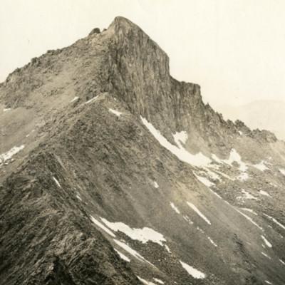 Wetterhorn from Matterhorn.jpg