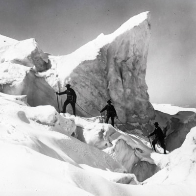 Old view of 3 on glacier?
