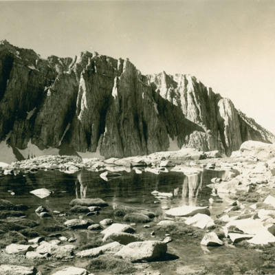 Amphitheatre at western base of Mt. Whitney.