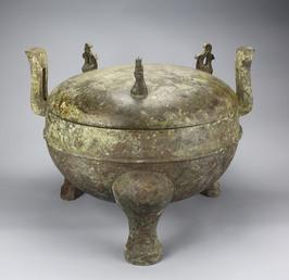 Cauldron ding unearthed from Tomb 1 Dayun Mountain Xuyi Jiangsu