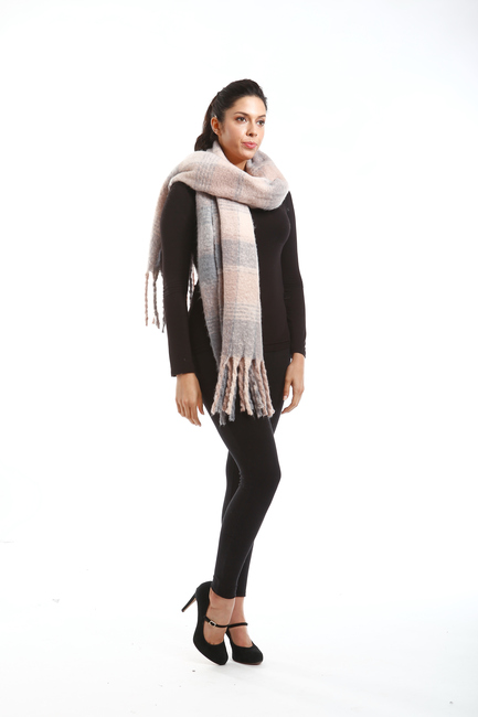 Plaid Oblong Scarf with Fringes