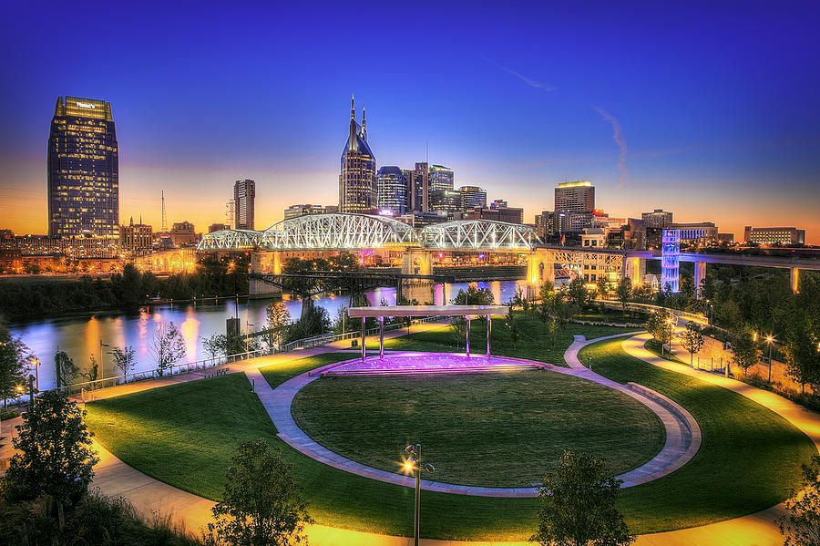 cumberland-park-and-nashville-skyline-lucas-foley