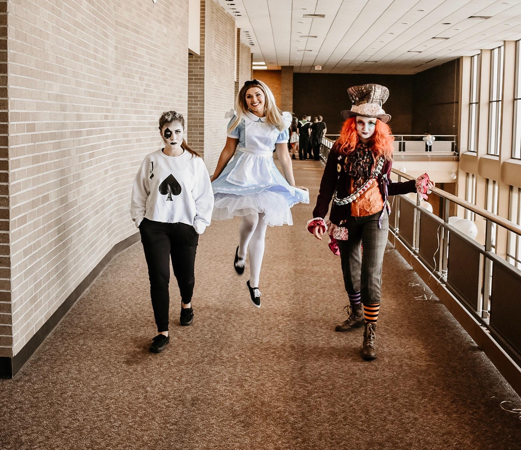Variety Show 2019 - Lost in Wonderland