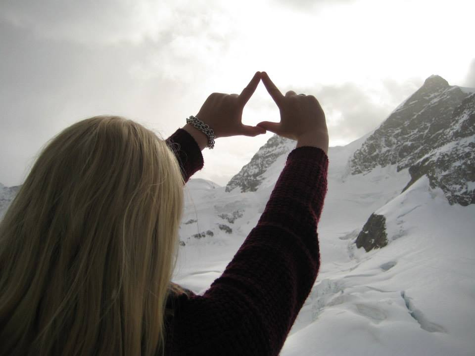 Throw what you LΔVE
