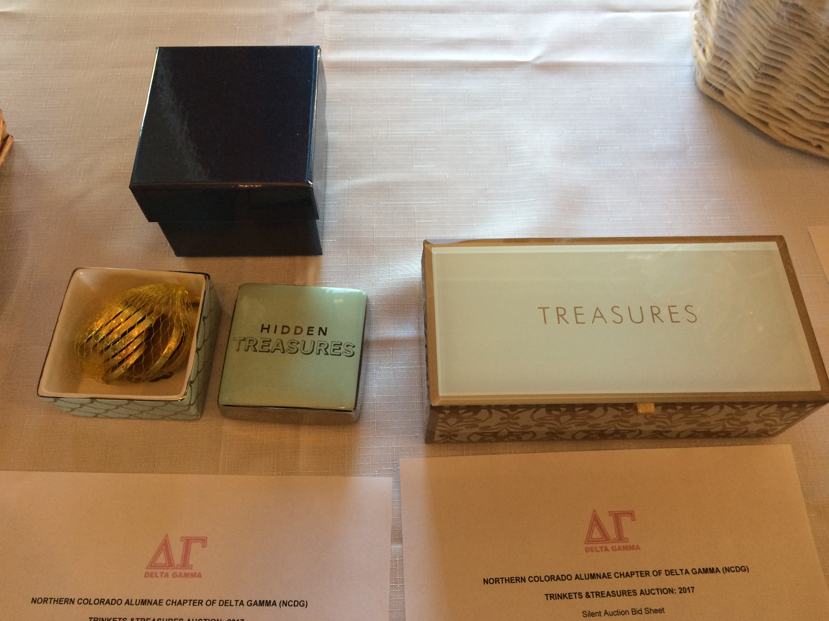 Trinkets and Treasures Auction 2017