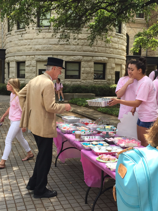 Cupcakes for a Cure 2015