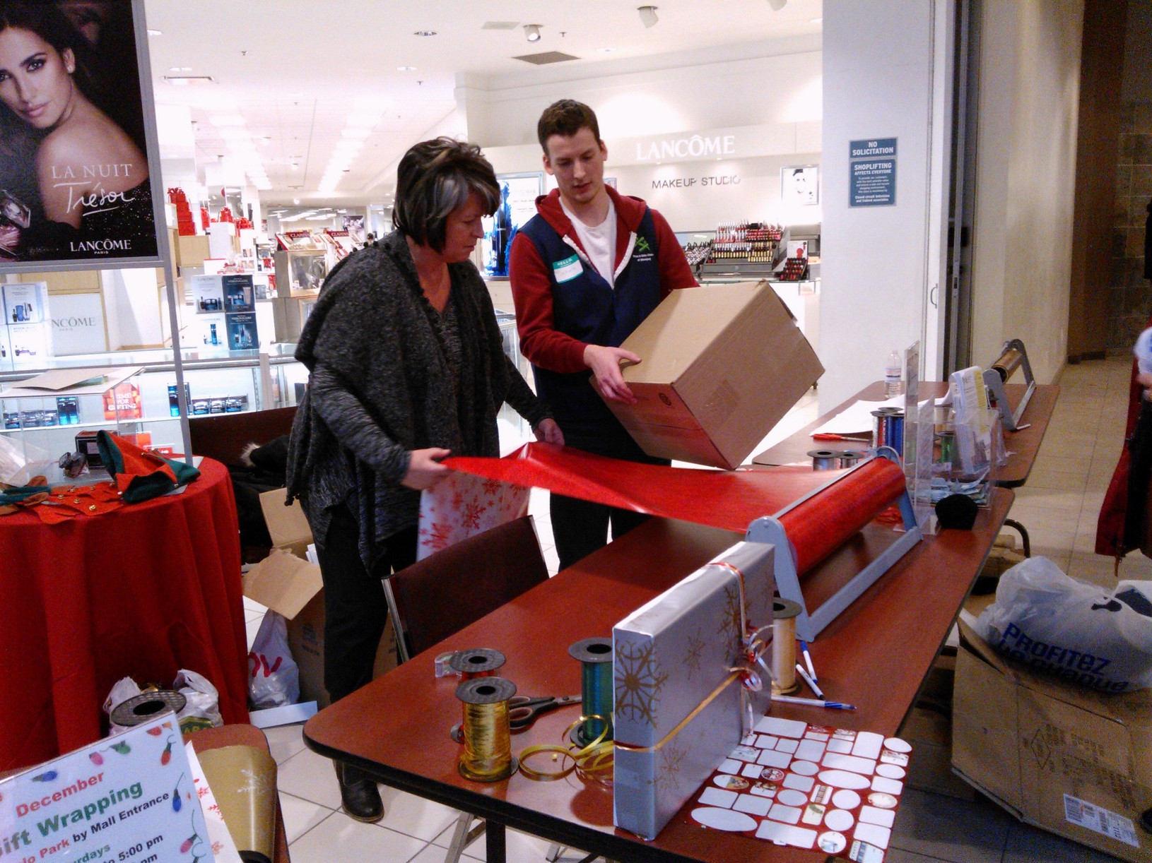 Boys and Girls Club Gift Wrapping December 2015
