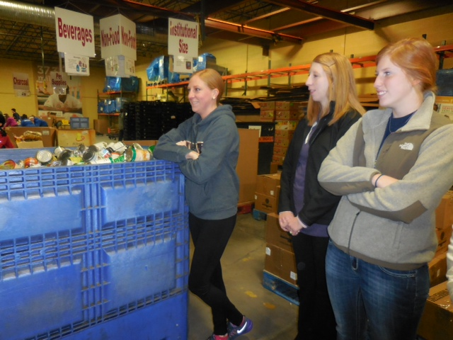 January 2015 - Volunteering at Harvesters and Lunch at Winstead's
