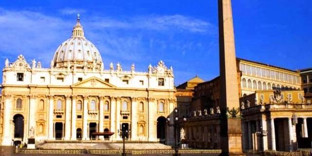 St. Peter Meydanı