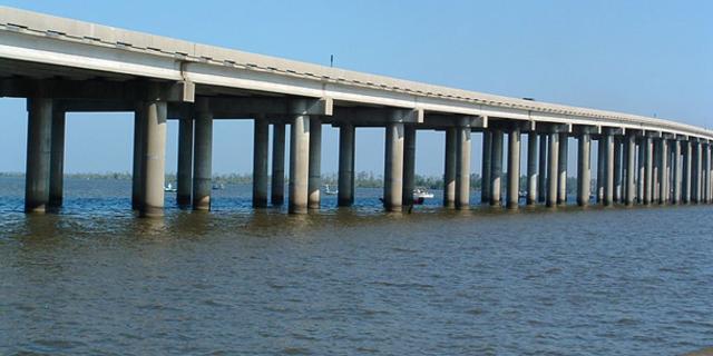 Manchac Bataklığı Köprüsü