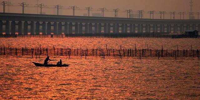 Tijanjin Büyük Köprüsü