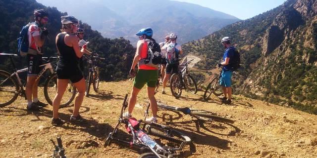 Atlas Dağları'nda bisiklete binme fikri birçok bisikletçiyi cezbediyor