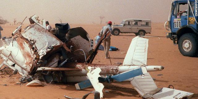 Düşen helikopterin enkazı
