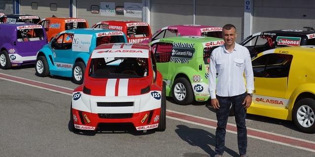 İşte Türkiye'nin ilk yarış otomobili ve tasarımcısı