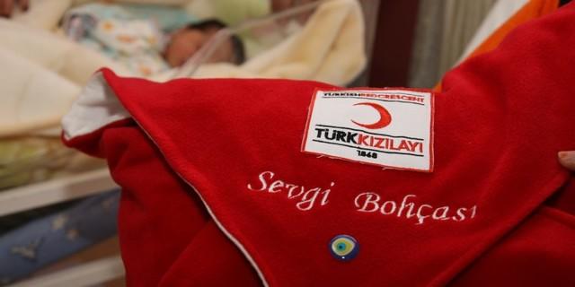 2013 yılı içerisinde toplanan yardımlarla anne ve bebekleri için 634 adet sevgi bohçası dağıtıldı.