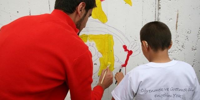 İyilik Koşusu'na katılarak özel eğitime ihtiyaç duyan çocukların, 8 yıllık temel eğitimi almalarına katkıda bulunabilirsiniz.