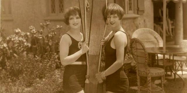 """Mühendis Fred Waller, 1925 yılında kendi kayaklarını yarattı ve """"Akwa-Skees"""" adını verdiği bu icadın patentini aldı."""