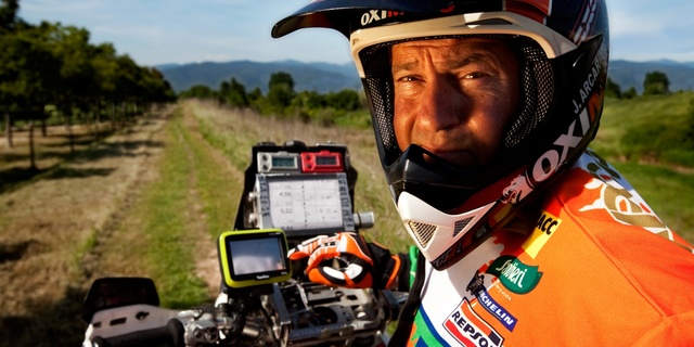Benzer sorunların yaşanmaması için günümüzde yarışa katılan araçlarda son model GPS teknolojili cihazlar bulunuyor…