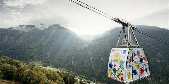Rengarenk bir teleferik: Vanoise Express