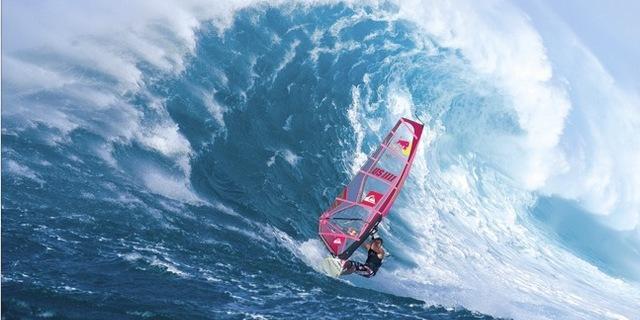 Rüzgar sörfünün tartışmasız kralı Robby Naish