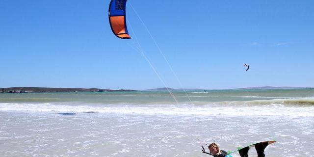 Kaykay, sörf ve paraşütün bir karışımı