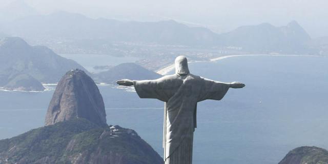 Jetman ve Kurtarıcı İsa Heykeli - Rio