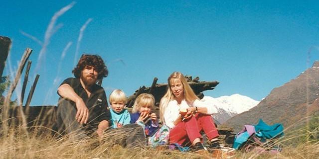Messner, eşi ve iki çocuğu ile
