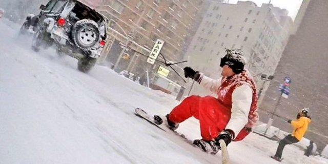 New York'ta kar fırtınası yaratıcılığı zorluyor