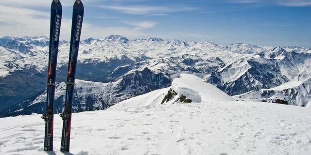 Karda gitmenin en hızlı yolu tabii ki kaymak