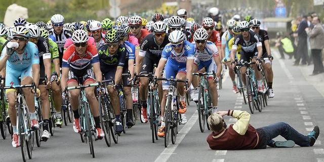 Favoriler asılmazsa Gen-Wevelgem'de başaltı yarışçılar gülüyor