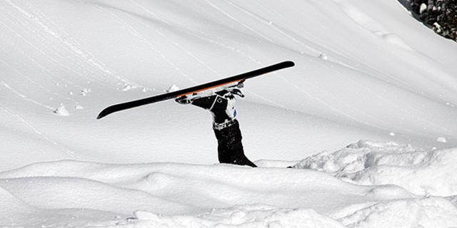Kayak yapan herkes düşer