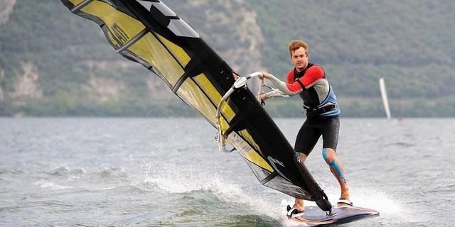 Menegatti sörfe hükmediyor.