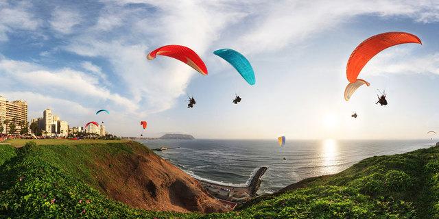 Perulular yamaç paraşütüne bayılıyor