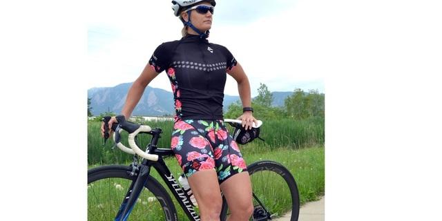 """""""Bisikletim güzel, ben güzelim, şortum güzel…"""""""