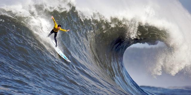 İyi bir eğitim alırsanız siz de dalgaların üstünde böyle süzülebilirsiniz