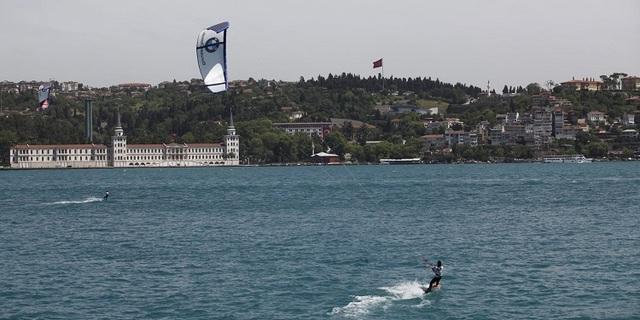Boğaz'da kitesurf yapmak
