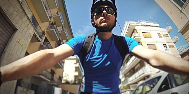 Güneş gözlüğü, bisiklette moda değil zorunluluk