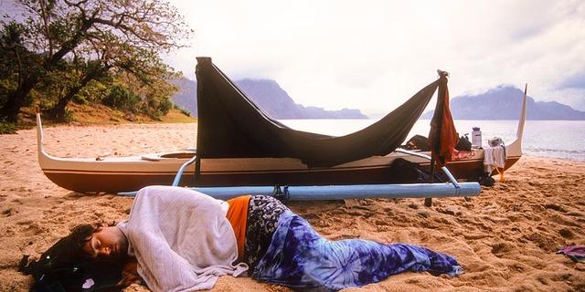 Kumsalda uyumak gibisi yoktur