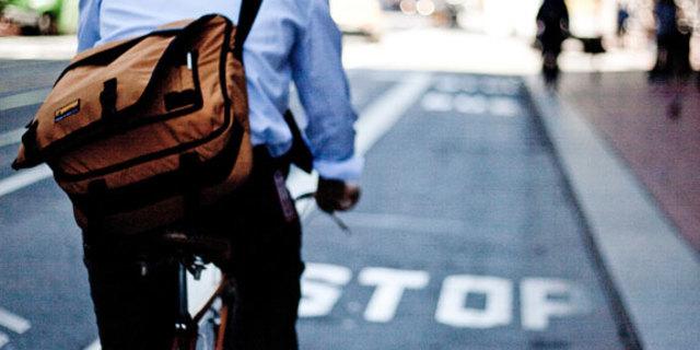 İşe giderken bisiklete binince spor da aradan çıkmış oluyor
