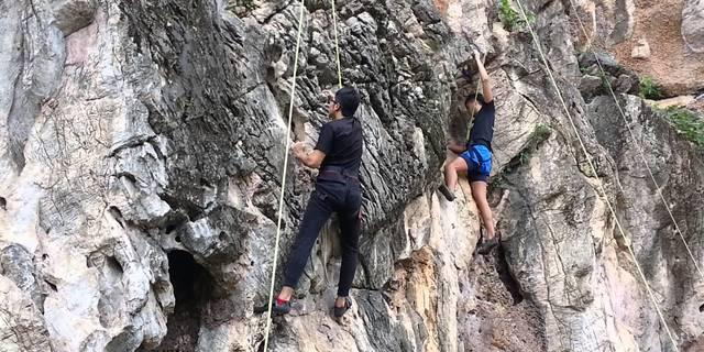 Batu Mağarası tırmanışçıların da gözdesi
