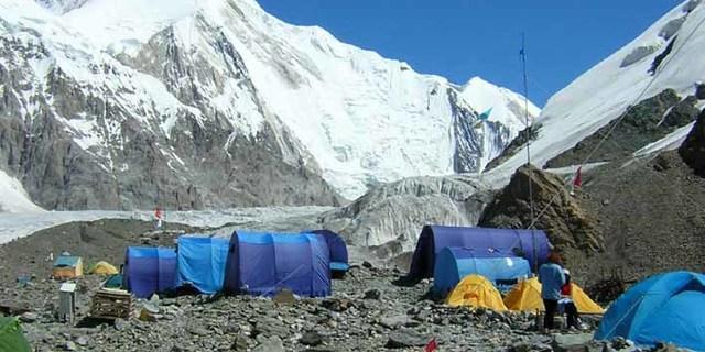 Bir dağcılık kampı