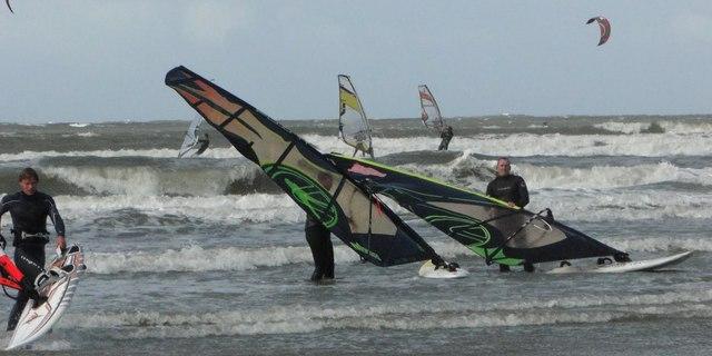 Yer, gök sörfçü dolu maşallah