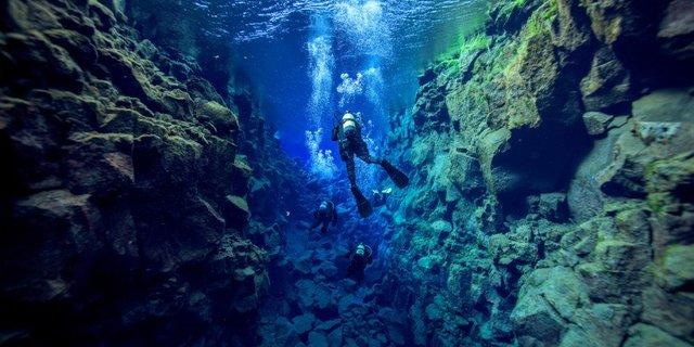 İzlanda'nın derinlerinde…