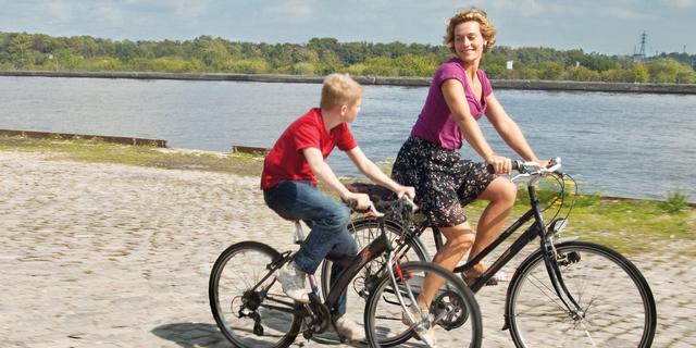 Bisikletli Çocuk